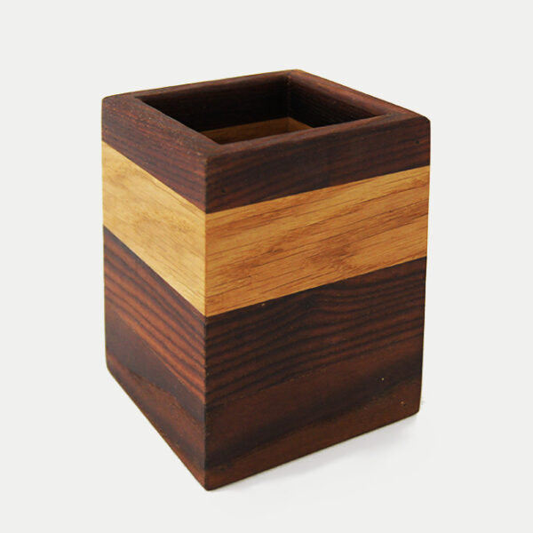 Деревянная подставка стакан