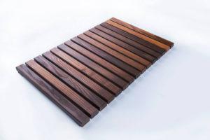 Стильные деревянные аксессуары для ванный комнаты