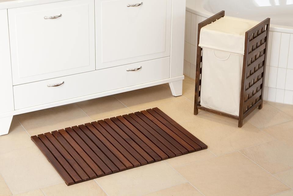 Стильные деревянные аксессуары для ванный