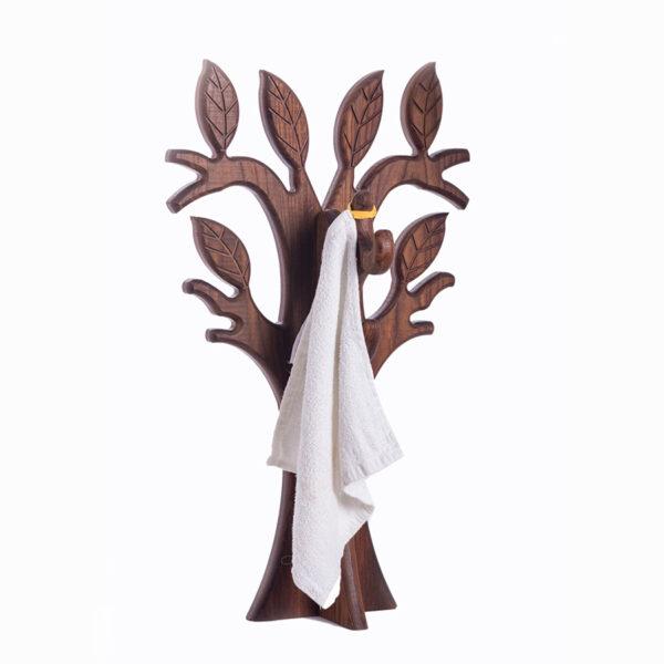 Вешалка деревянная для ванной оригинальная