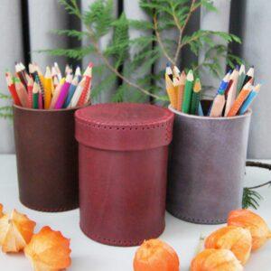 Кожаный стакан для ручек и карандашей